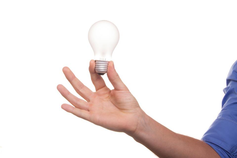 energia-lampadina