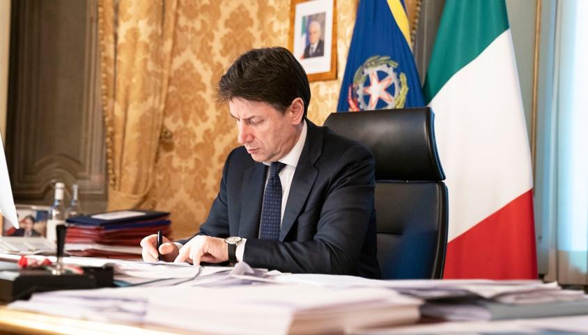 Conte firma nuovo Dpcm: ecco le misure e le regole confermate e nuove